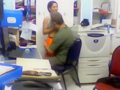 Pillados en la oficina teniendo sexo no deseado
