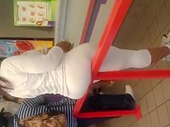 Huge bubble butt in white yoga pants