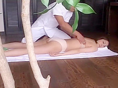 Japanese Lady Gets Massaged And Pounded