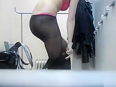 Sexy ass brunette filmed in secret when changing her clothes