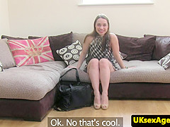 UK amateur anus nails agent after toying ass
