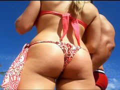 Gostosa bikini socado