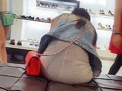 Red Bag Red Strings Upskirt