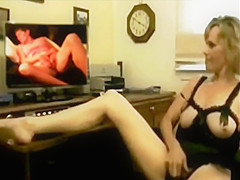 My favorite wank off video. My two favorite Gilfs together