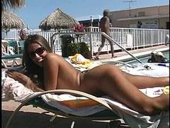 Oral Pleasure and fuck at a public pool
