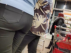 Juicy ass blonde milfs in tight jeans 2