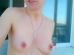 Realdaddysangel voyeur morning: flashing boobs in the street
