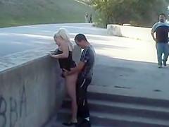 pareja follando en la calle