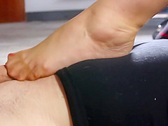 Impressions under the secretary's feet