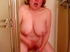 Marie rocks sexy body in slow motion