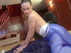 ballerina facesitting under skirt