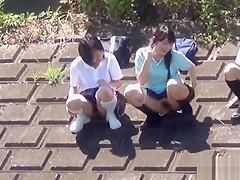 Japanese teenage skanks pissing