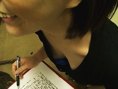 Brunette japanese babe gets filmed by downblouse voyeur
