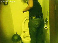 Hot pissing voyeur video of a rousing chick