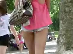 NY Central Park Bold Hottie (Busted at end by douchbag)