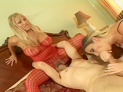 Ava Devine And Sara Jay In A Hot Threesome