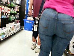 Corpulent Arse Constricted Jeans Bent Over - Candid