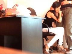 Secretary caught engulfing her boss