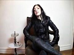 Smokin' leather Female-Dom Humiliates U