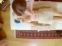 Amateur babe massaged and pleasured