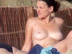 topless beach - nice tits