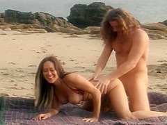 Nude Beach Hottie Gets Her Twat Filled With Pecker