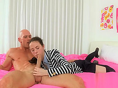 Pretty darling arouses hunk with her naughty cock riding