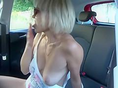 Hot slut cannot stop cumming