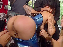 Euro slave dressed in latex fucked in fetish shop