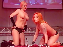 flexi cowgirl milfs on public stage