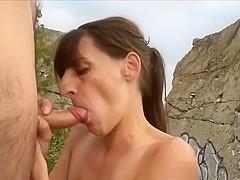 elle suce baise et avale dans un bunker allemand