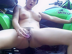 Exhib and Squirt on a quad- jaculation et exhibition