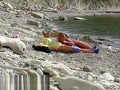 Тrevel - bloger vstretil nudistku. Пublichni minet na plyazhe v Бolgarii. RoleplaysCouples