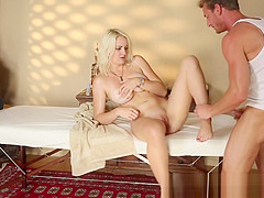 Cocksucking amateur gets fucked by masseur