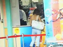 Amateur brunette japanese public sharking video