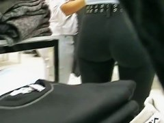 Smoking hot amatuer candid ass in jeans