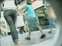 Amazing schoolgirls upskirt ass video