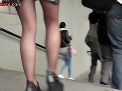 Beauty unconsciously shows pantyhose up petticoat