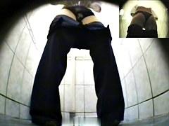 Girls Pissing voyeur video 6