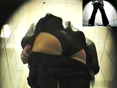 Girls Pissing voyeur video 10