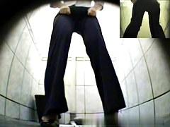 Girls Pissing voyeur video 18