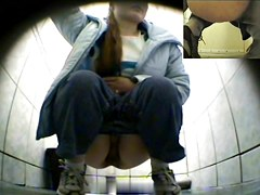 Girls Pissing voyeur video 21