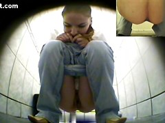 Girls Pissing voyeur video 37