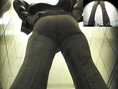 Girls Pissing voyeur video 104