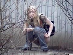 Girls Pissing voyeur video 114