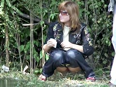 Girls Pissing voyeur video 122