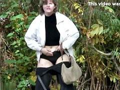Girls Pissing voyeur video 124