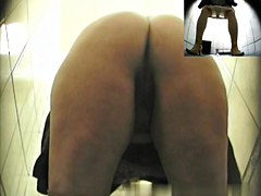 Girls Pissing voyeur video 127
