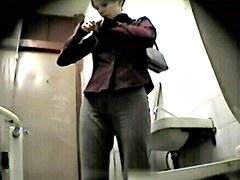 Girls Pissing voyeur video 161