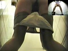 Girls Pissing voyeur video 178